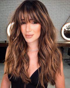 peinados con flequillo cabello largo
