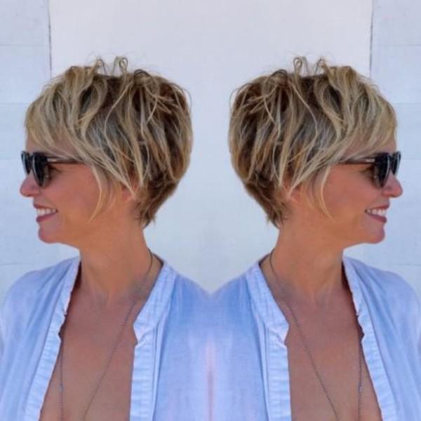 cabello-corto-con-mechas-balayage-para-mujeres-de-50-anos