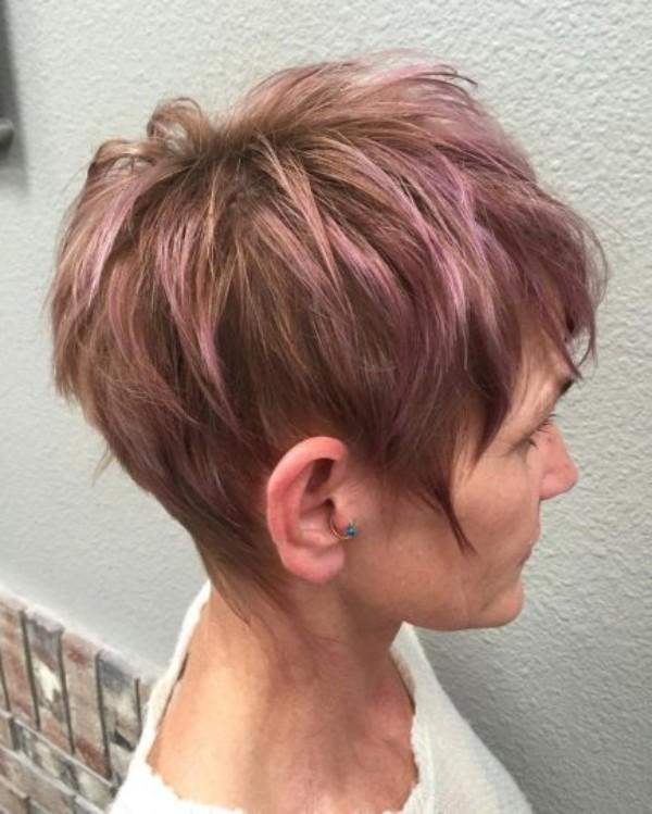 pelo-rosa-corto-de-60-anos