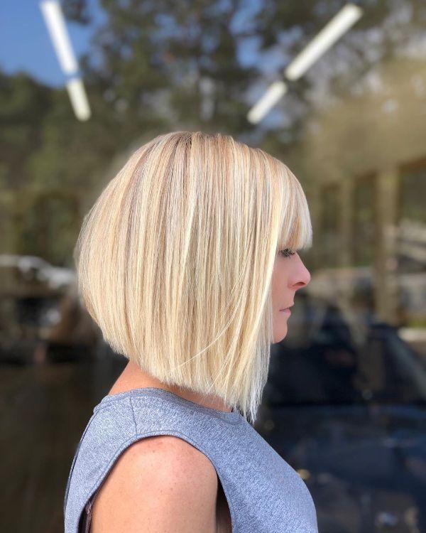 peinado bob blanco