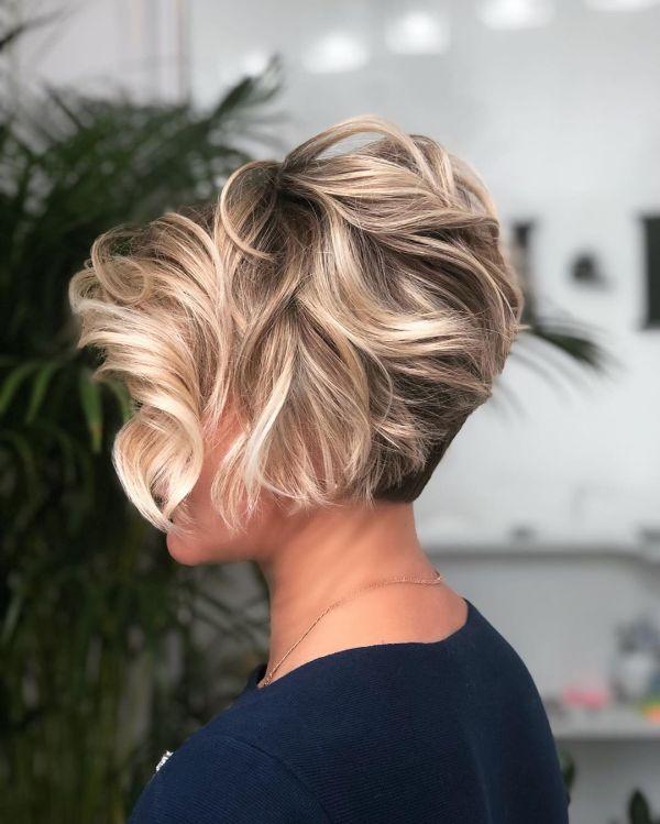 peinados bob corto ondulado